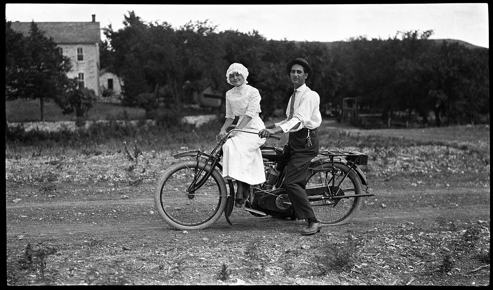 durso-f3-motorcycle-couple667_300dpi_3x5-copy