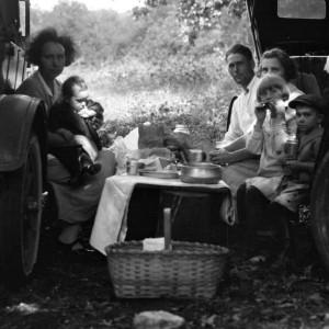 otto-kratzer family meal photo